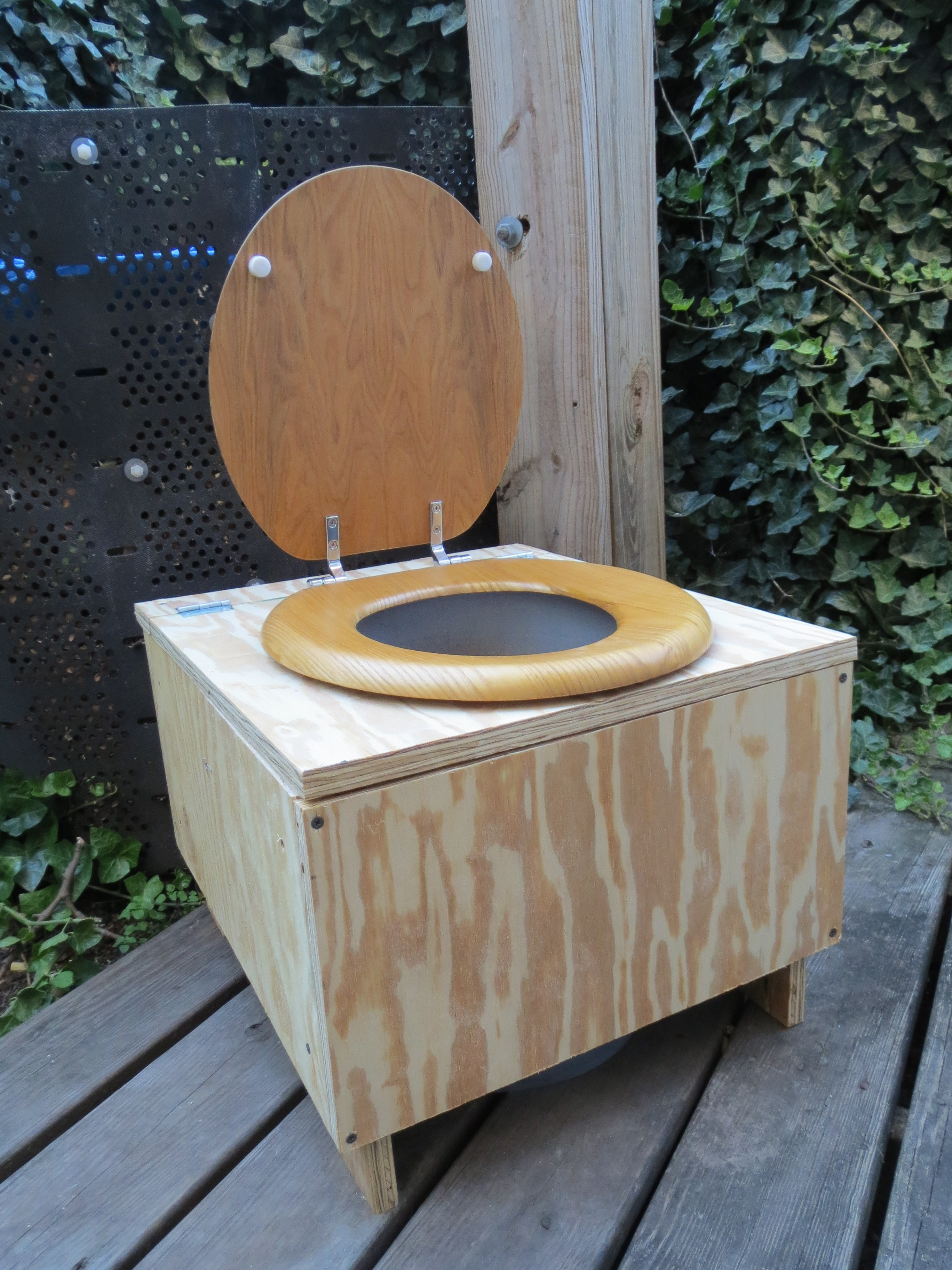Build Your Own Composting Toilet : Compost toilet lid up crazy about