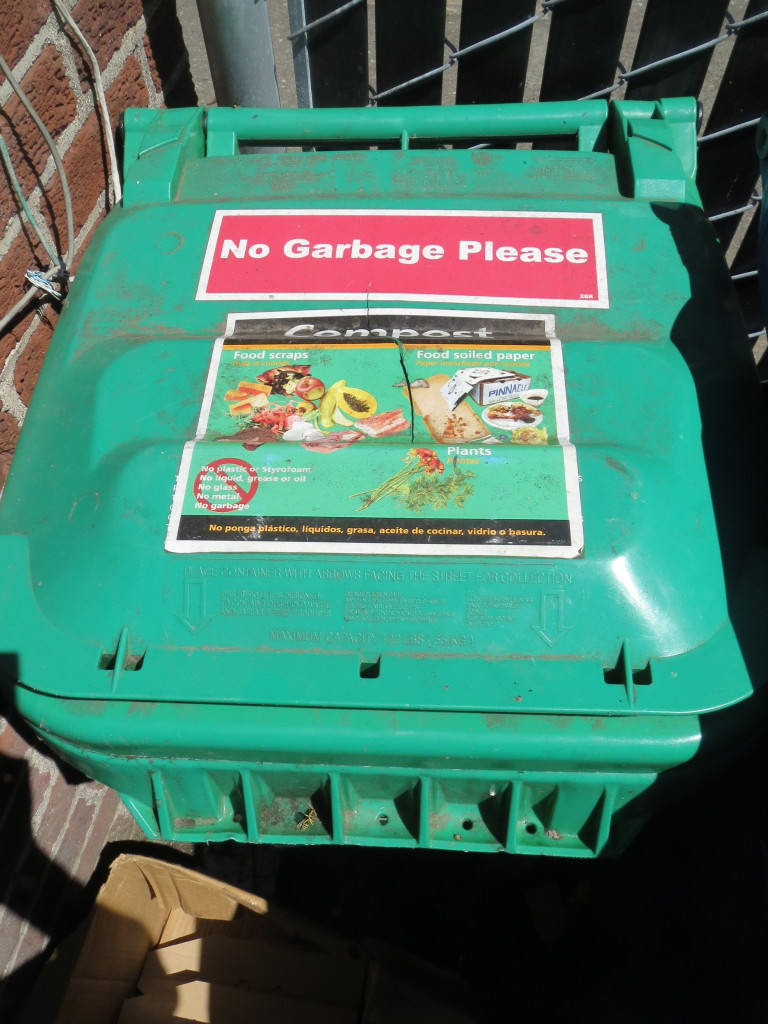 compost toter-lid